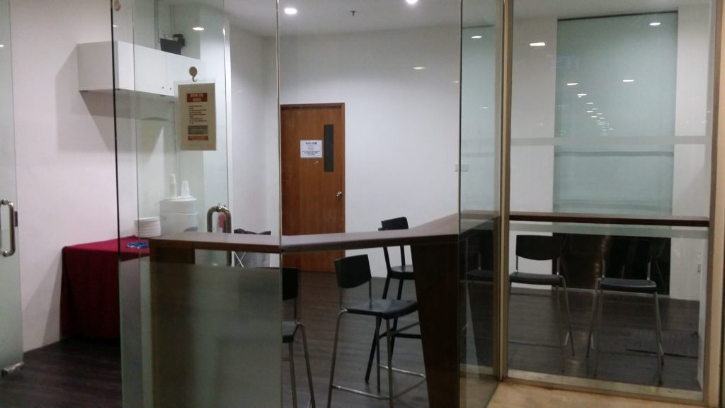 training_room_rental_ssc_gathering_area-1