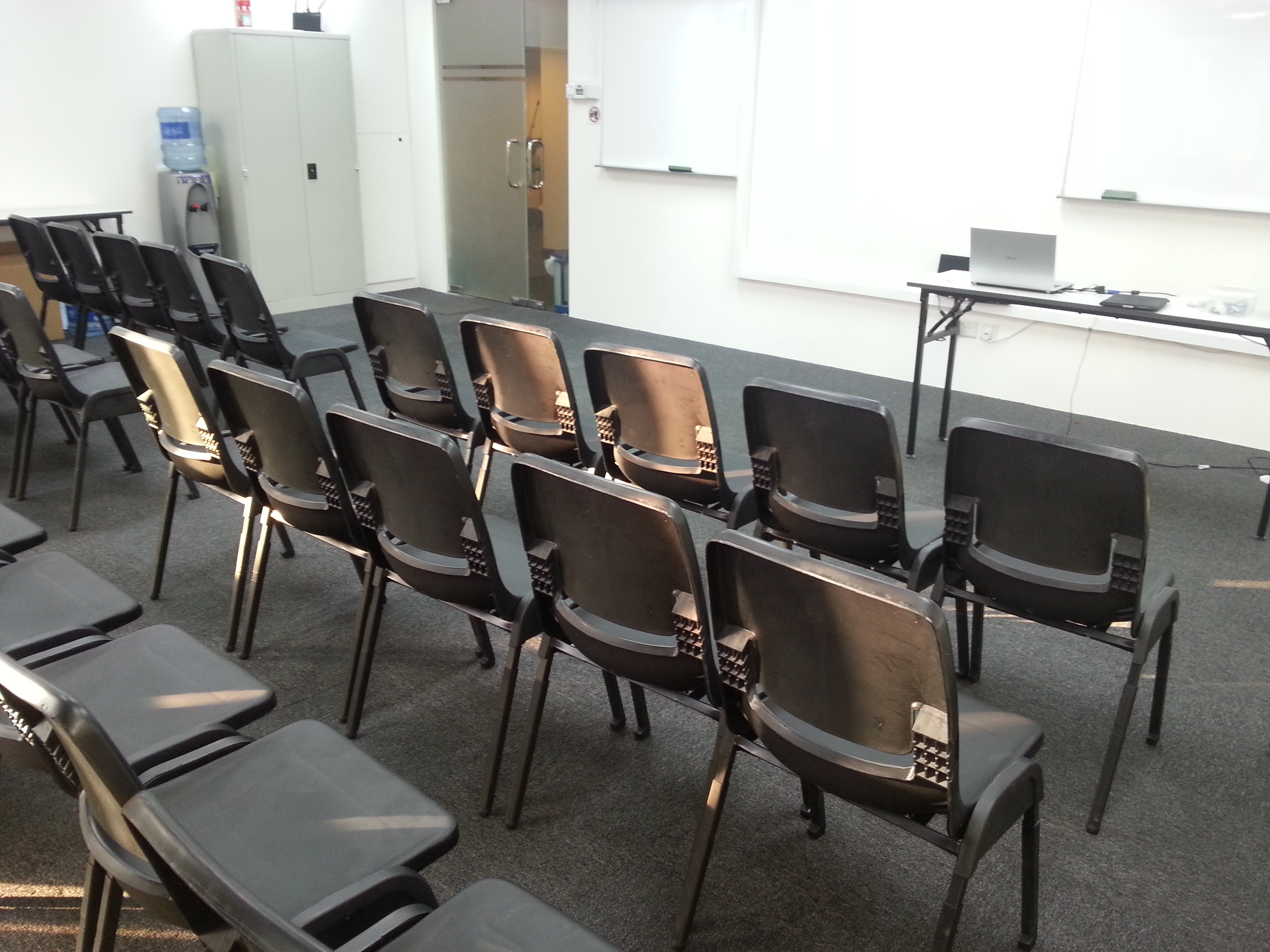 Seminar Room Rental Singapore Seating Arrangement Picture 5